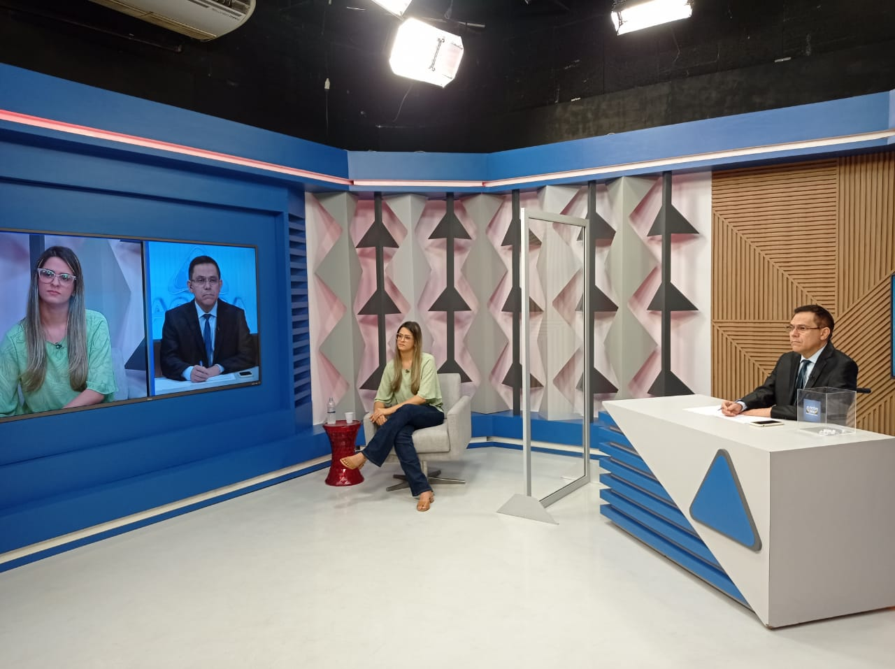 Gessy Fonseca é sabatinada por outros candidatos no Jornal Agora - Imagem 1