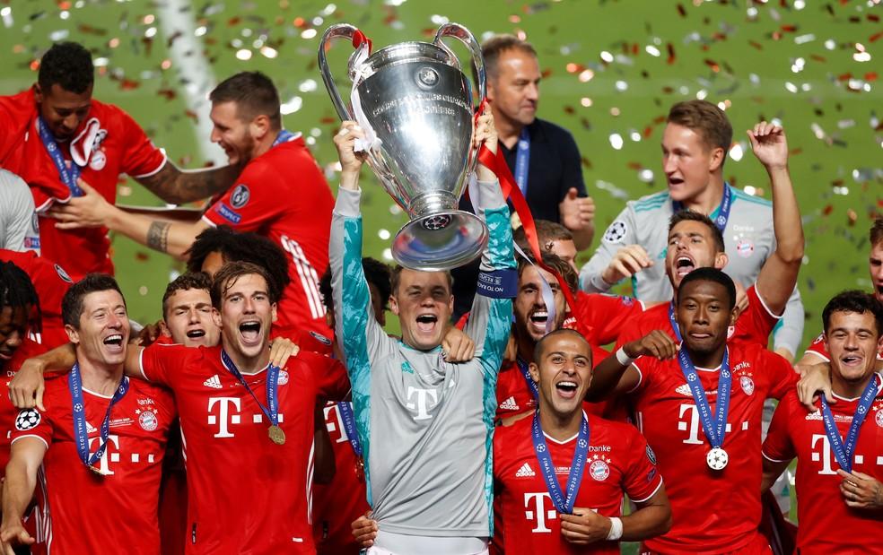 Neuer levanta o troféu da Liga dos Campeões pelo Bayern
