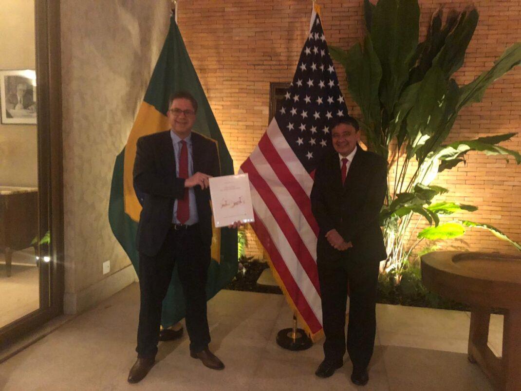 Wellington Dias acerta investimentos para Piauí com embaixador dos EUA