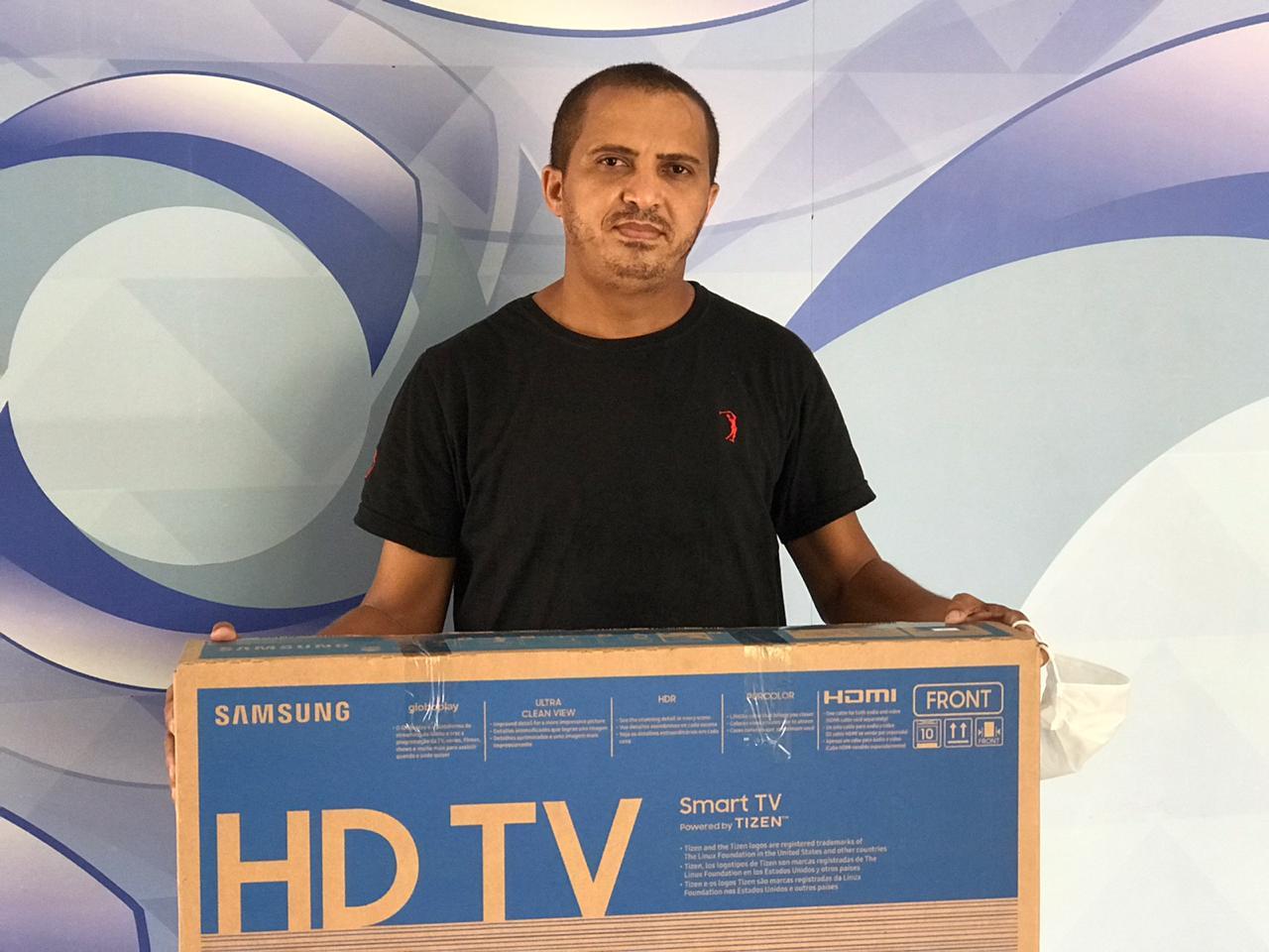 25º sorteado recebe SmarTV no Grupo Meio Norte