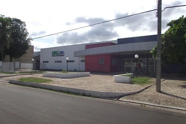 Homem segue internado em estado grave na UPA de Oeiras ( Welliton Mariano / Portal Integração)