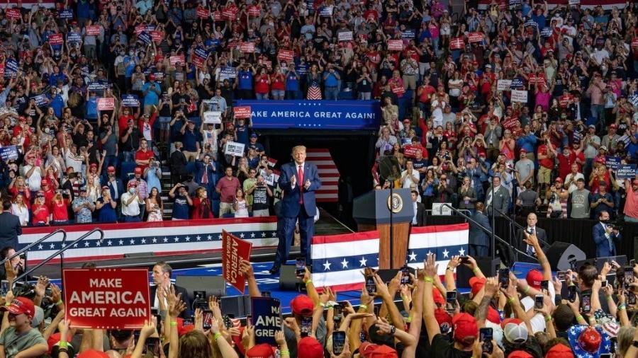 Trump com eleitores durante o comício em Tulsa, retomando a campanha presidencial, em 20 de junho - Imagem: Divulgação