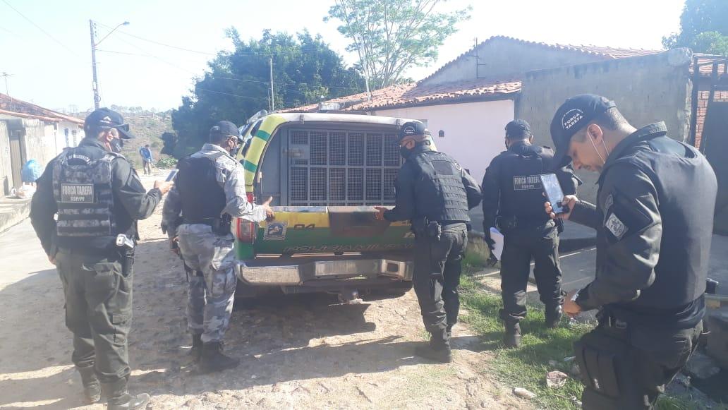 Polícia realiza operação e cumpre 12 mandados