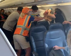 Voo tem briga após recusa de passageiro em usar máscara; vídeo