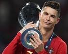 Bandido invade mansão de Cristiano Ronaldo e leva camisa autografada