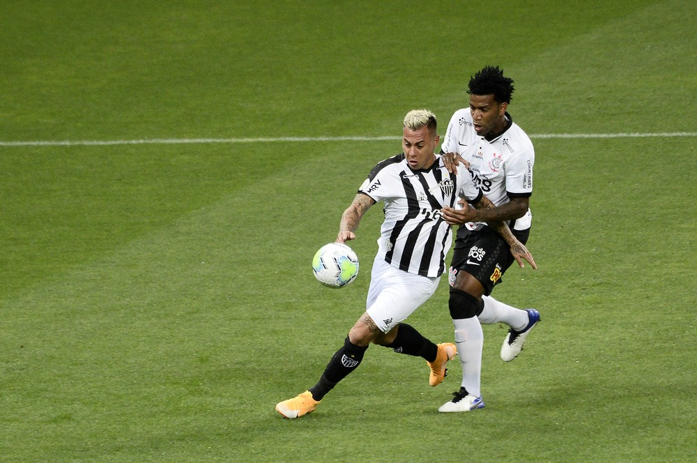 Gil e Vargas Corinthians x Atlético-MG