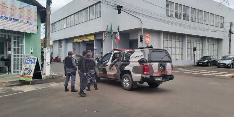 Gerente de banco é feito refém com sua família em Codó, no MA; vídeos