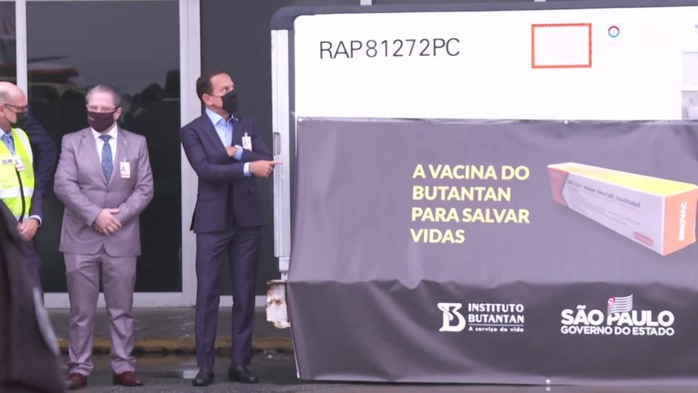 Covid-19: São Paulo recebe primeiras 120 mil doses de vacina chinesa - Imagem 1