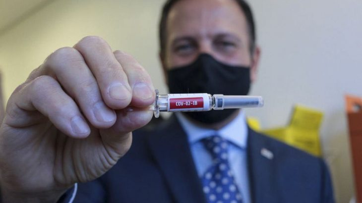 Covid-19: São Paulo recebe primeiras 120 mil doses de vacina chinesa - Imagem 2