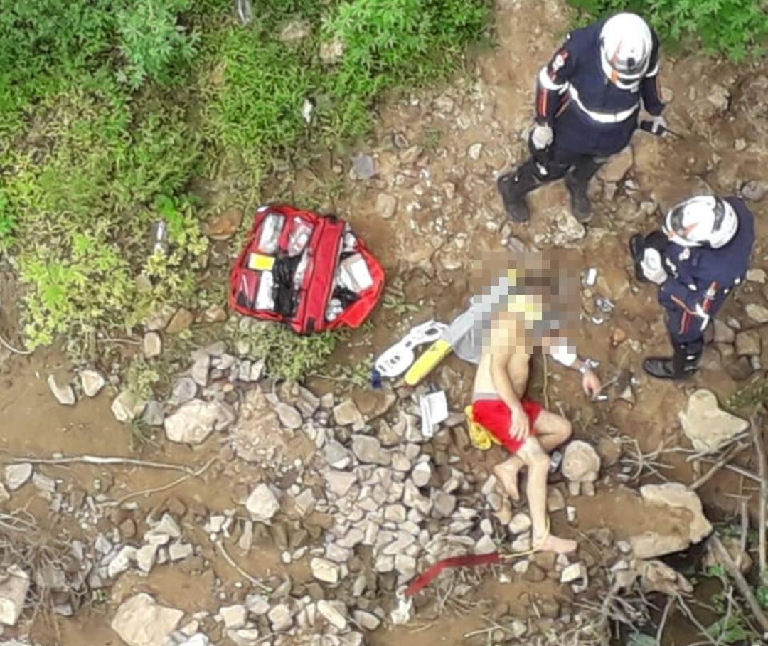 Homem foi resgatado com vida e levado ao HUT (Reprodução)
