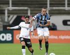Com dois expulsos, Corinthians aguenta pressão e empata com o Grêmio