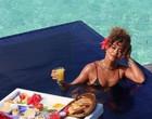 Juliana Paes curte café da manhã em cenário paradisíaco