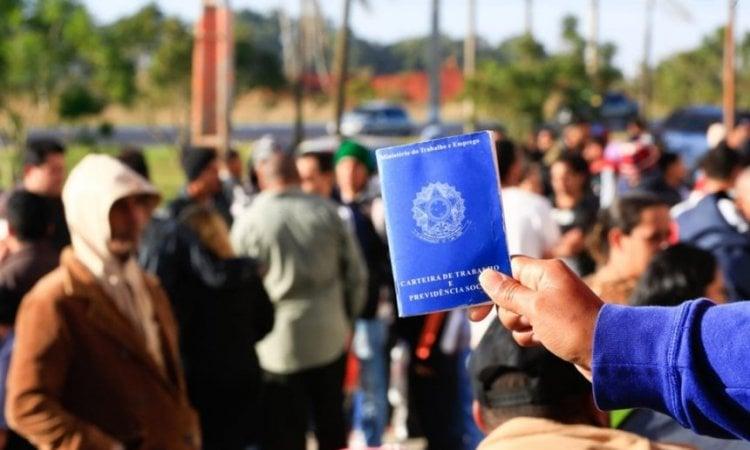 Desemprego atinge 14,1 milhões de brasileiros