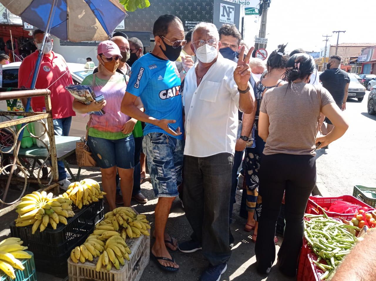 Doutor Pessoa (MDB) no Mercado do Parque Piauí-Foto: Efrém Ribeiro