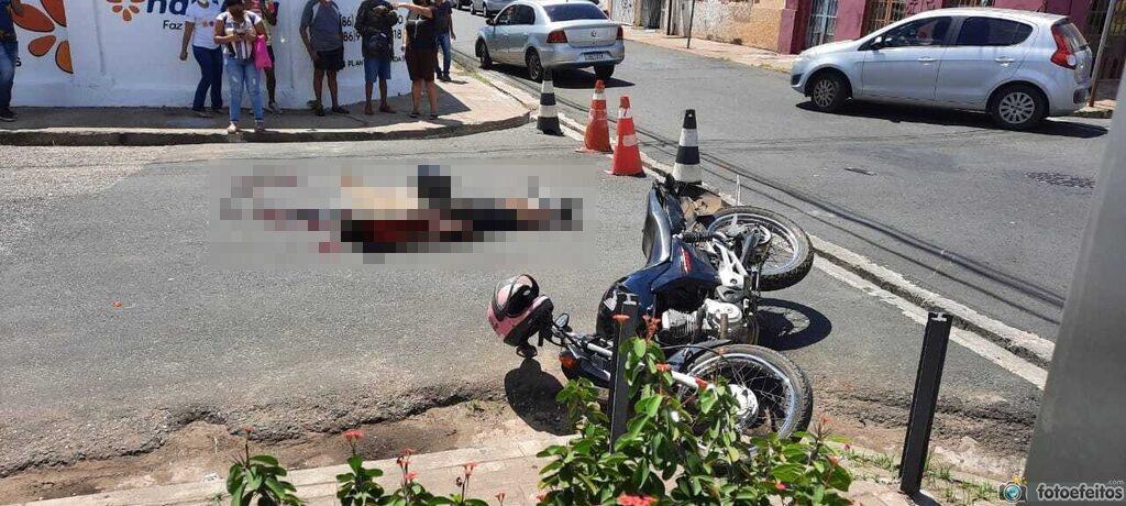 Colisão entre carro e moto deixa vítima fatal no Centro de Teresina