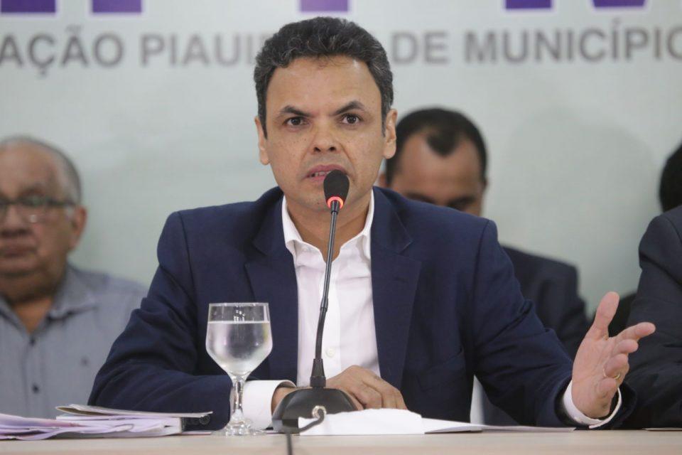 Prefeito Gil Carlos (Foto: Repordução / Cidades em Foco)