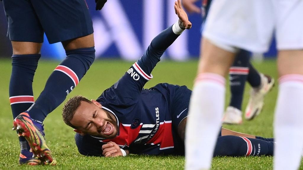 Neymar está sendo monitorado por fisioterapeutas nesta segunda e terça- Foto: Franck Fife / AFP