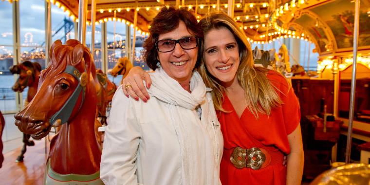 """Ingrid Guimarães e Mariza Leão celebram 10 anos """"De Pernas Pro Ar"""""""