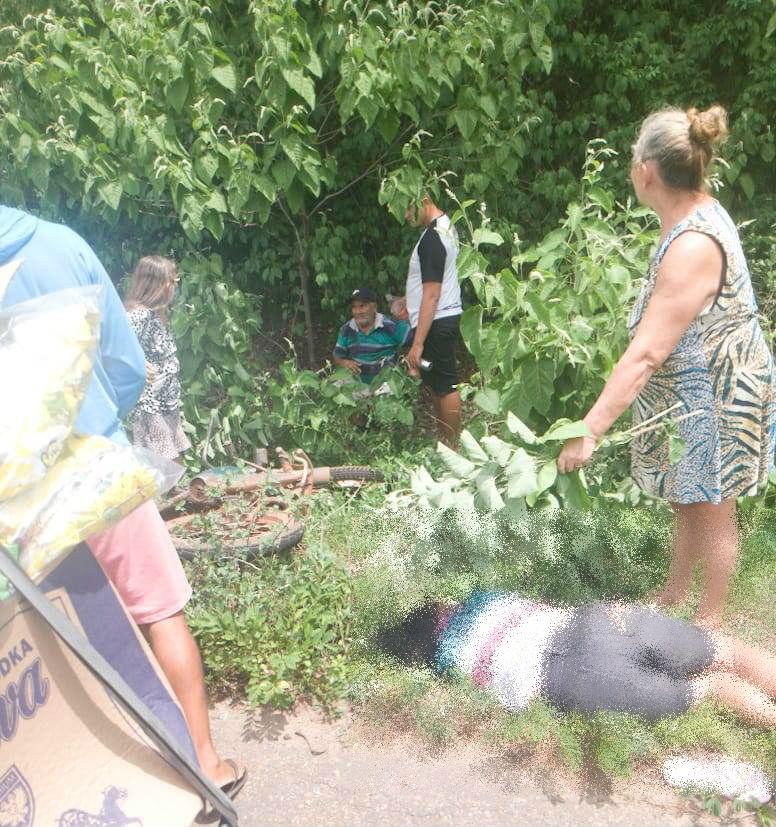 Colisão entre carro e moto deixa mulher morta e homem ferido na PI-214 - Imagem 1