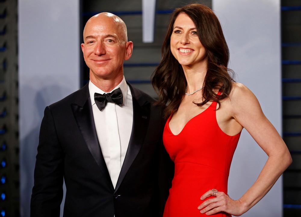 MacKenzie e Jeff em registro feito em 2017, dois anos antes do divórcio — Foto: Getty Images