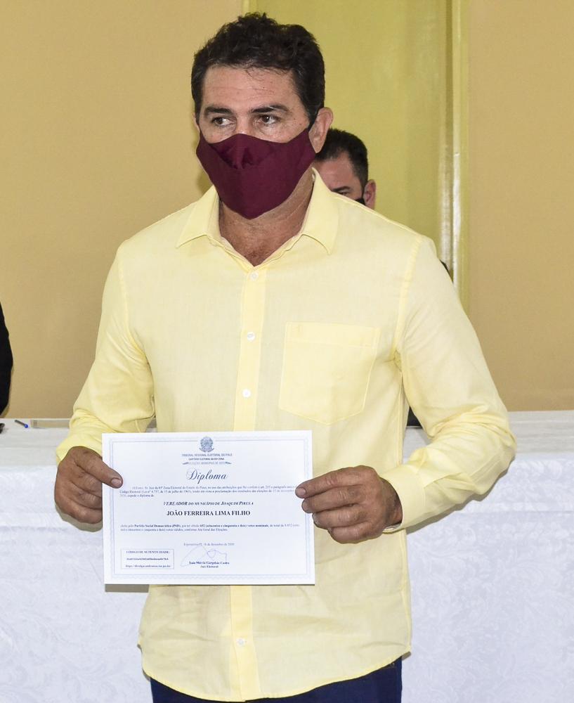 Prefeito eleito Genival Bezerra é diplomado pela Justiça Eleitoral - Imagem 15