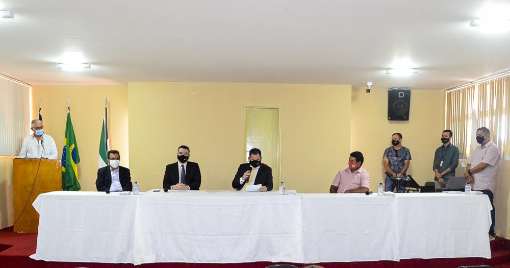 Prefeito eleito Genival Bezerra é diplomado pela Justiça Eleitoral - Imagem 6