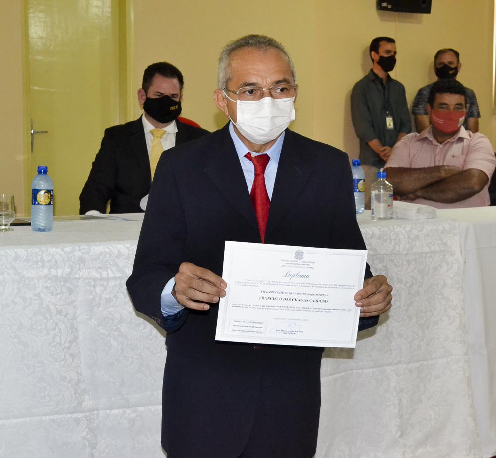 Prefeito eleito Genival Bezerra é diplomado pela Justiça Eleitoral - Imagem 11