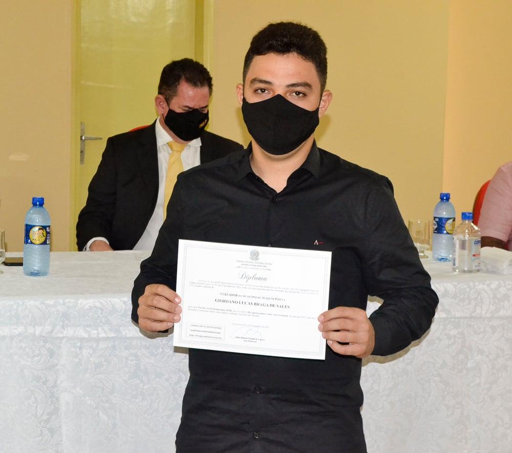 Prefeito eleito Genival Bezerra é diplomado pela Justiça Eleitoral - Imagem 18
