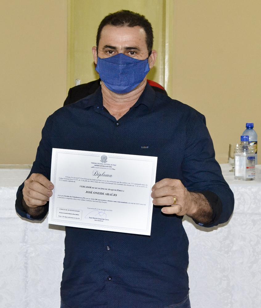 Prefeito eleito Genival Bezerra é diplomado pela Justiça Eleitoral - Imagem 10