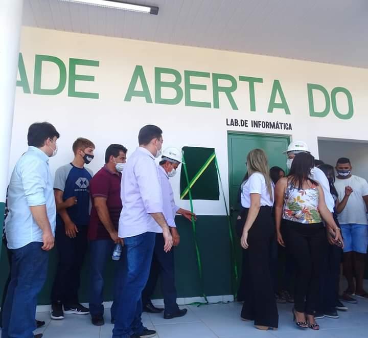 Governador Wellington Dias e equipe do governo visitam Jatobá do Piauí e entregam obras relevantes no município. - Imagem 20