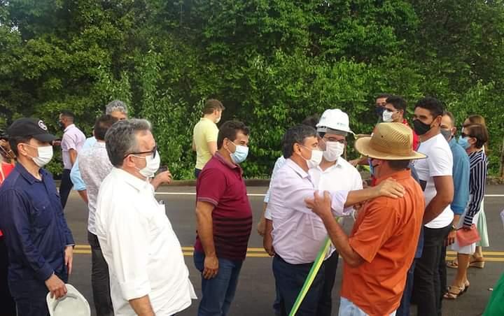 Governador Wellington Dias e equipe do governo visitam Jatobá do Piauí e entregam obras relevantes no município. - Imagem 4