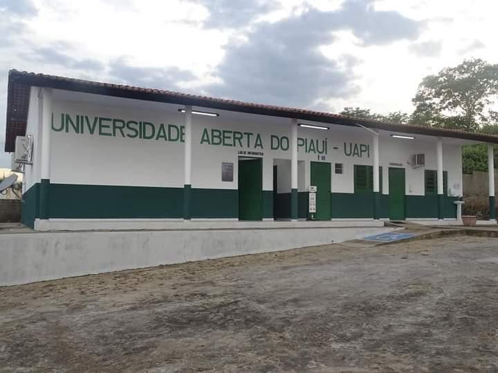 Governador Wellington Dias e equipe do governo visitam Jatobá do Piauí e entregam obras relevantes no município. - Imagem 15