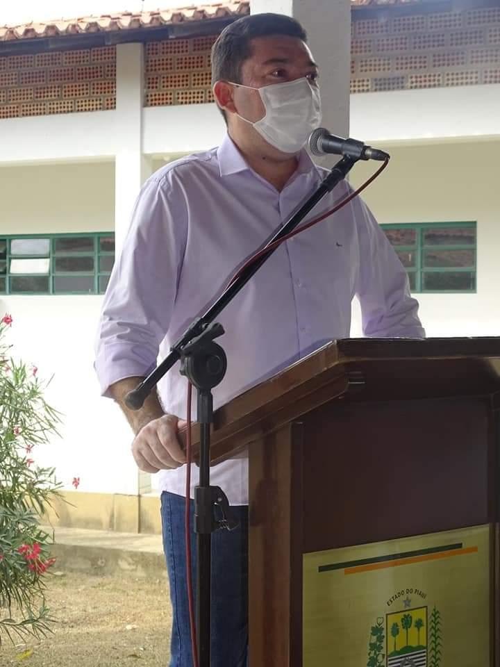 Governador Wellington Dias e equipe do governo visitam Jatobá do Piauí e entregam obras relevantes no município. - Imagem 6