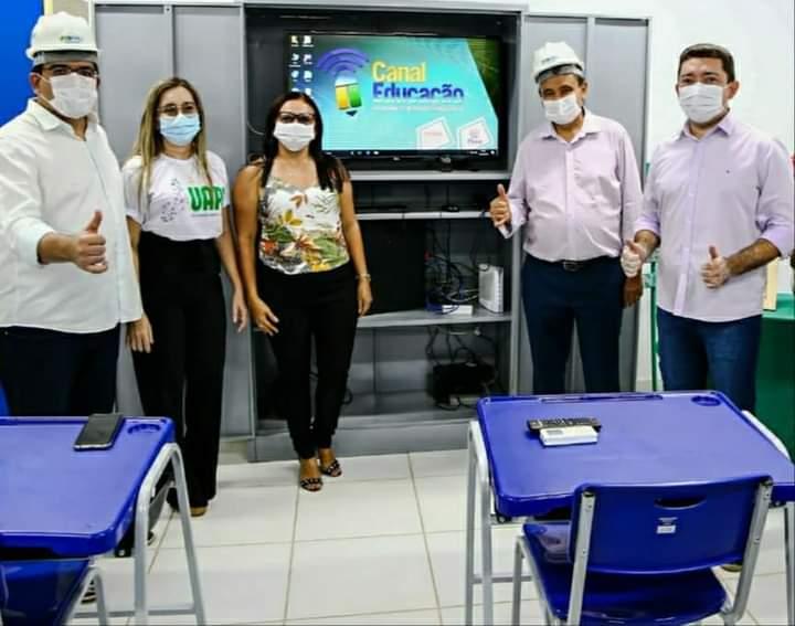 Governador Wellington Dias e equipe do governo visitam Jatobá do Piauí e entregam obras relevantes no município. - Imagem 8