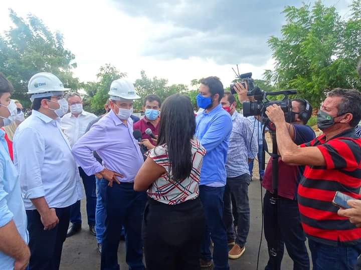Governador Wellington Dias e equipe do governo visitam Jatobá do Piauí e entregam obras relevantes no município. - Imagem 11