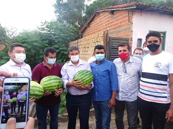 Governador Wellington Dias e equipe do governo visitam Jatobá do Piauí e entregam obras relevantes no município. - Imagem 16
