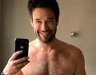 "Sergio Marone posta foto de toalha e deixa fãs impactados: ""Anaconda"""