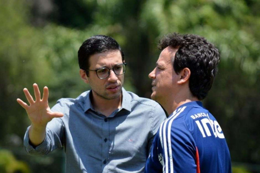 Alexandre Pássaro e Fernando Diniz em treino no São Paulo