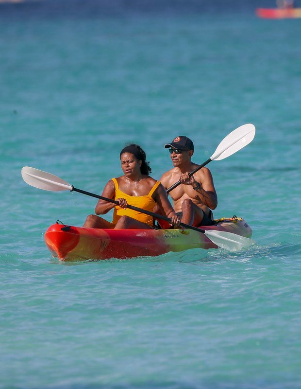 Michelle e Barack Obama em passeio no Havaí - Foto: The Grosby Group