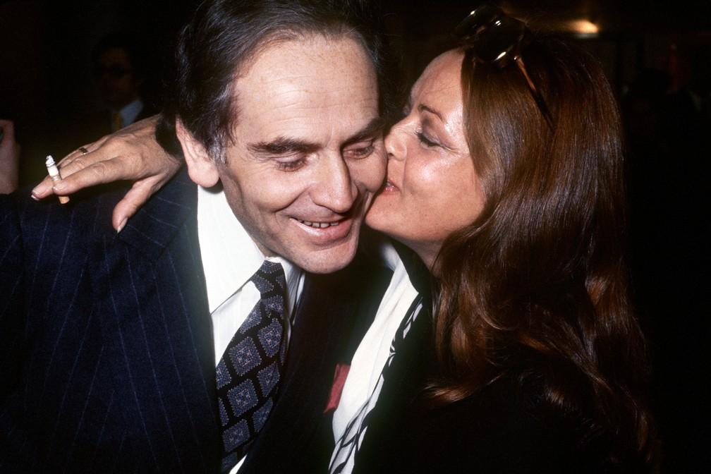 Jeanne Moreau e Pierre Cardin, em foto de outubro de 1972 — Foto: AFP
