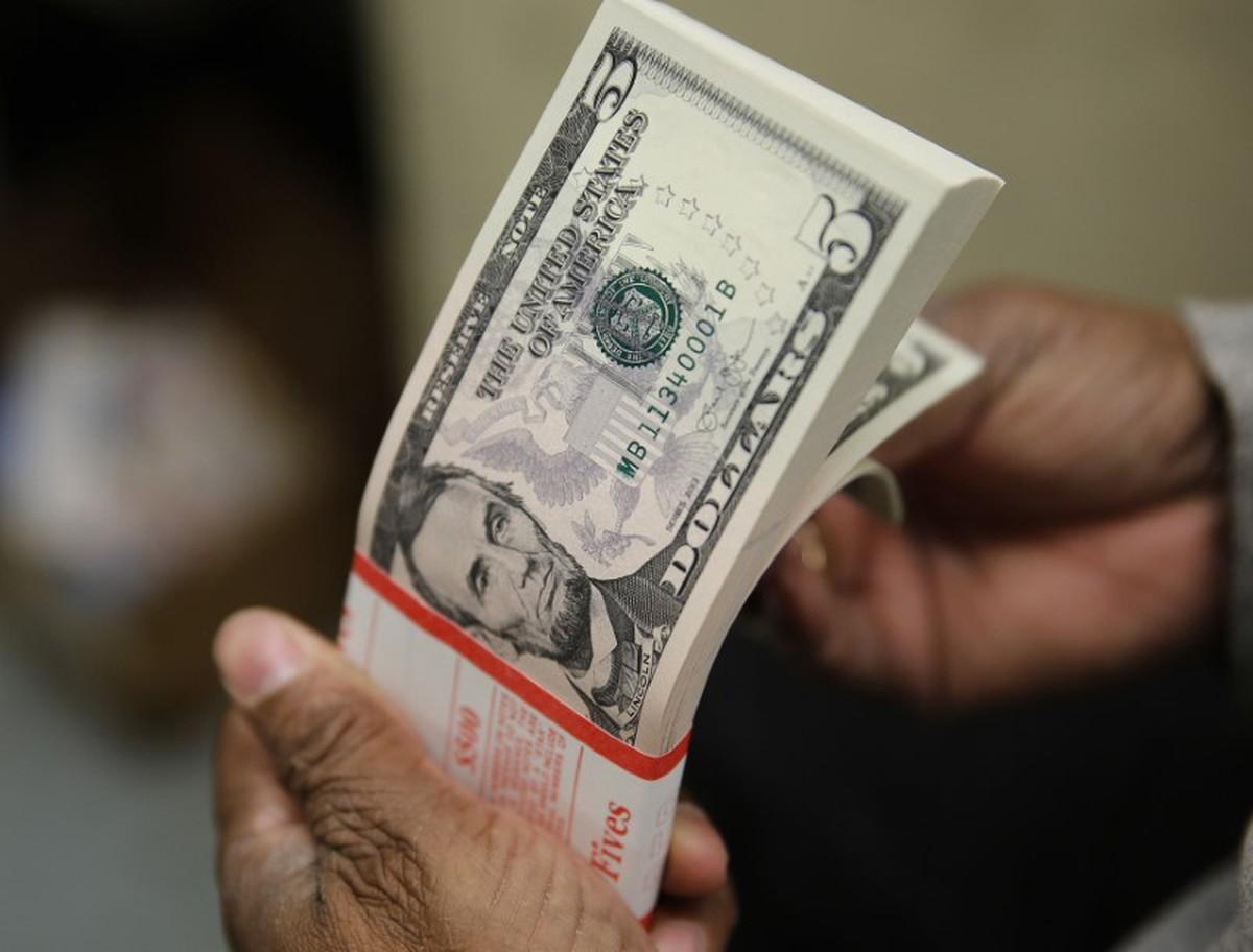 Dólar sofre forte queda e é cotado a R$ 5,14