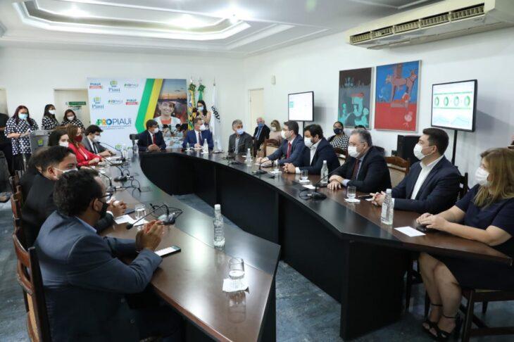 W. Dias assina contratos de R$150 mi da PPP das Miniusinas de Energia - Imagem 2