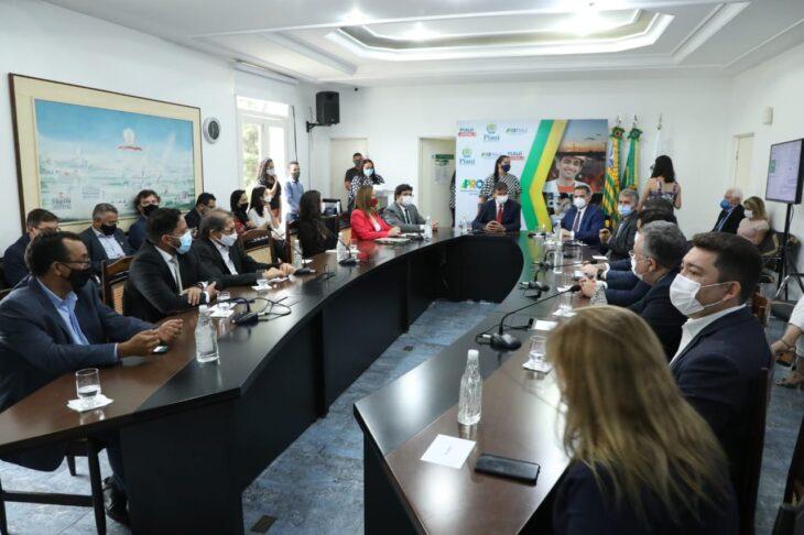 W. Dias assina contratos de R$150 mi da PPP das Miniusinas de Energia - Imagem 1
