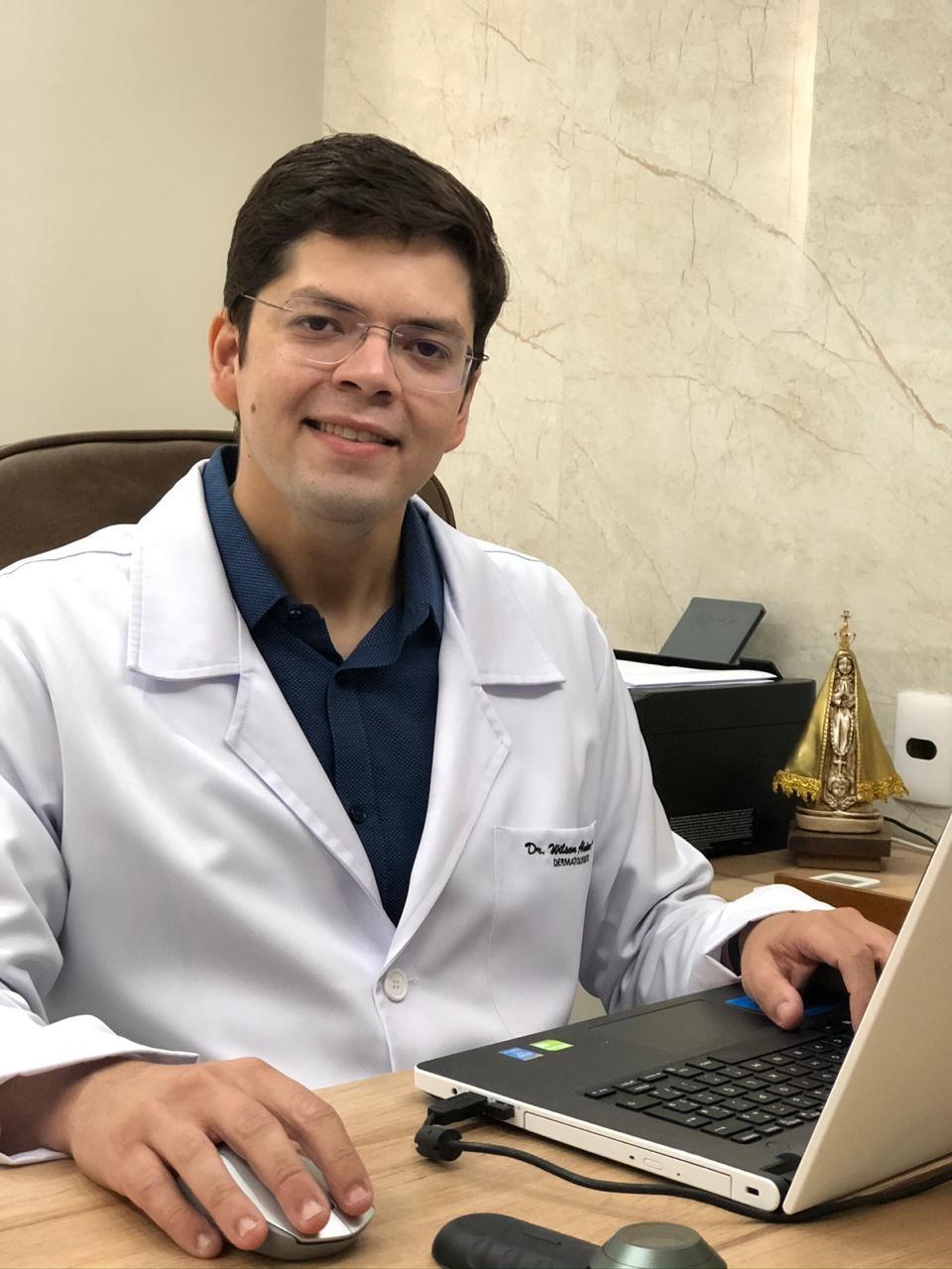 Médico dermatologista da Clínica Intermed, Wilson Almino | foto: Divulgação