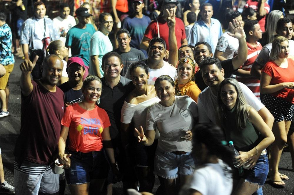 Público de todas as idades se destacaram no meio do vai vém da festa. Foto: Edi Vasconceles