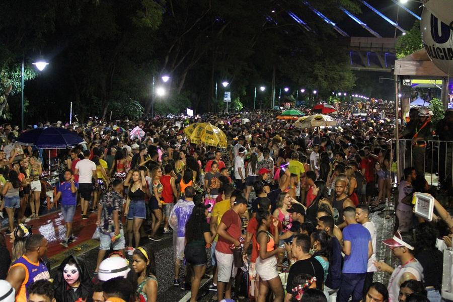 Corso transforma Teresina em referência nacional de  pré-carnaval - Imagem 4