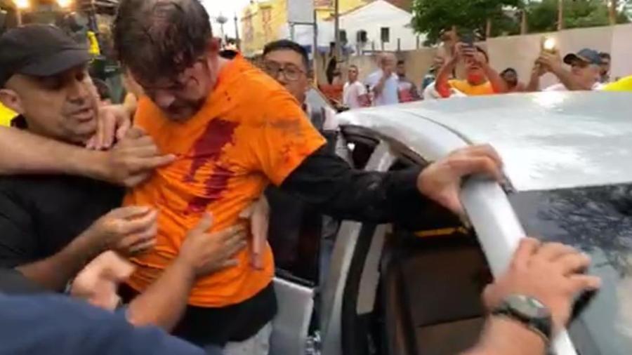 CE:Cid Gomes tenta entrar em batalhão com retroescavadeira e é baleado - Imagem 1