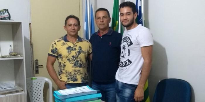 Professor Marcelo Milanes entrega plano de ações e calendário esportivo 2020 à Ananias André