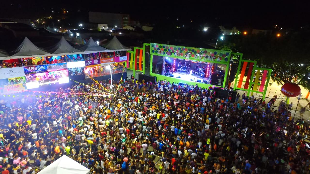 Terceiro dia de carnaval em Água Branca tem desfile e grandes bandas na arena da folia - Imagem 15