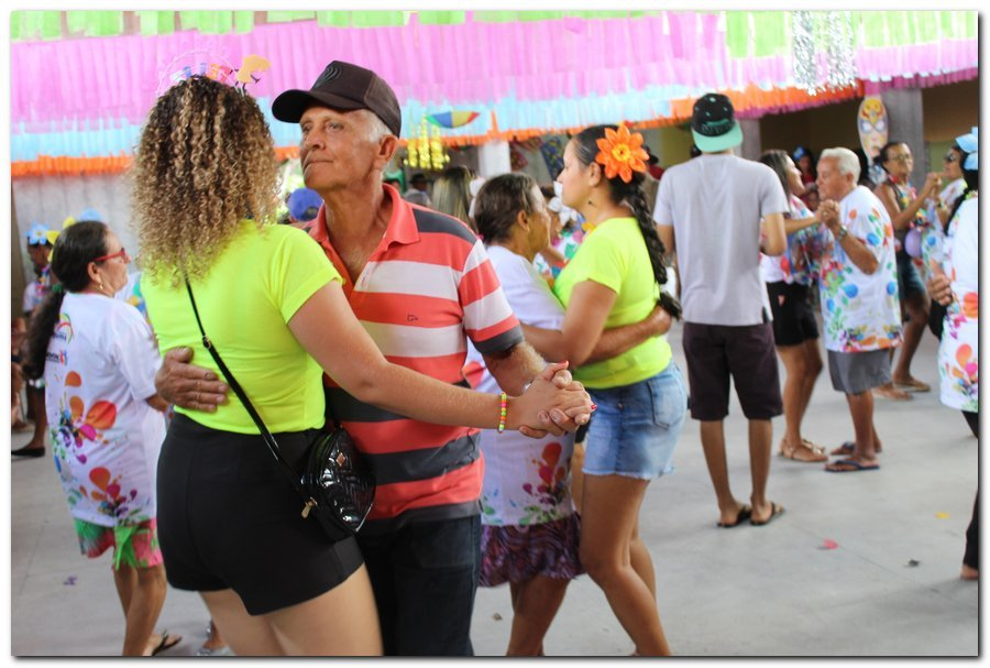 Prefeitura de Inhuma realiza carnaval dos Idosos - Imagem 29
